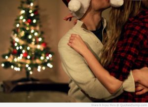 Christmas-Love-And-Kiss-Wallpapers-Quotes